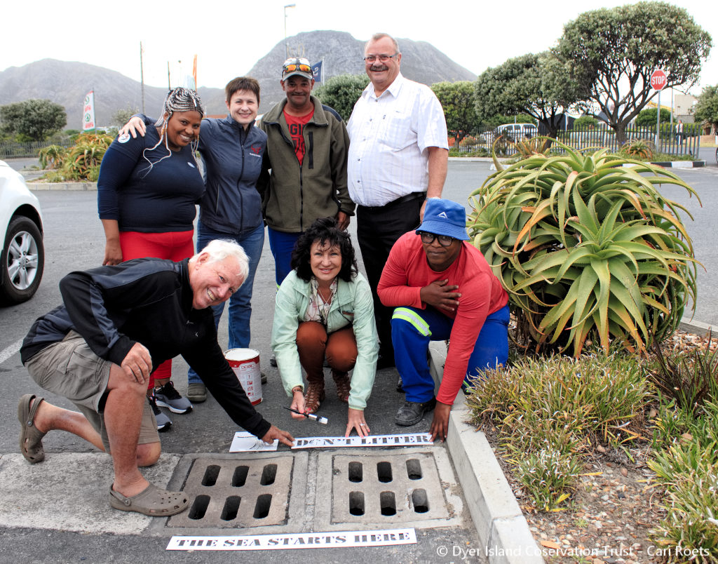 IMG 9068 1024x804 - Special stormwater signs painted in Gansbaai [photos]